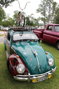 cars - 1964 VW Bug-front-b