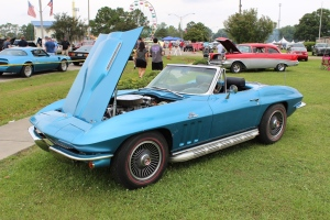 cars - 1967 Chevy Corvette sting-ray-front